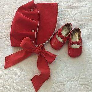 🎀💘Gorgeous Holiday Hat & Shoe Bundle, EUC